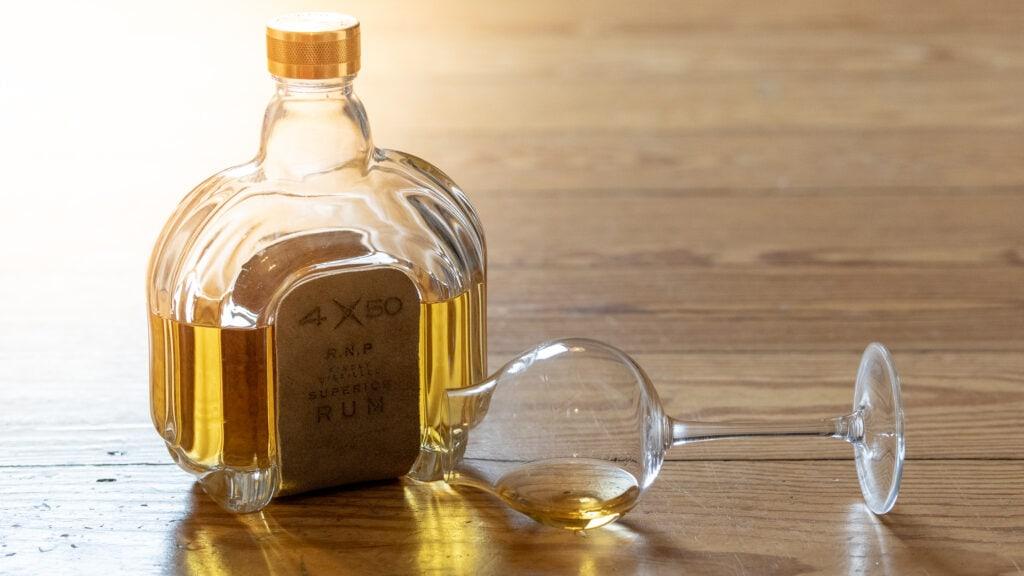 4X50 Rum im Glas