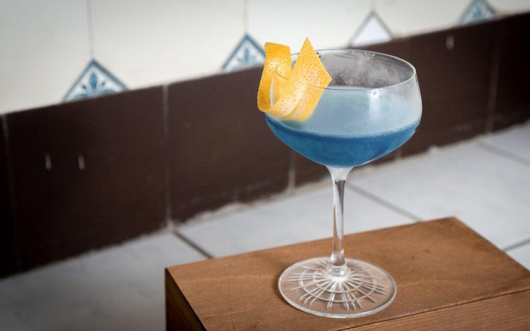 Water Lily Cocktail – Rosen sind Rot, Veilchen sind blau …